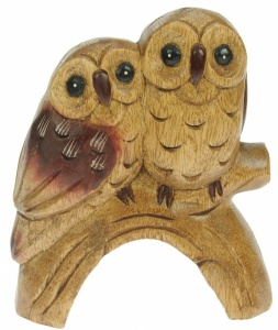 YO65 - Carved Owl Couple (15 x 18cm) (Pack Size 3)